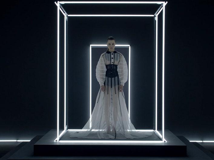 Louis Vuitton – Never Ending Story