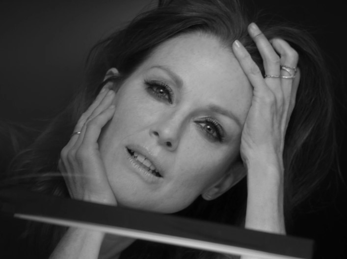 L'Oréal Age Perfect – Julianne Moore