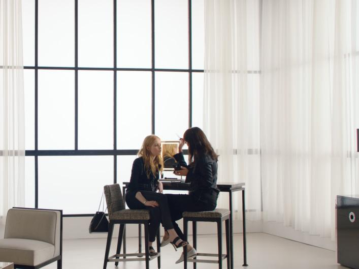 Chanel Beauty Talks – Ellie Bamber